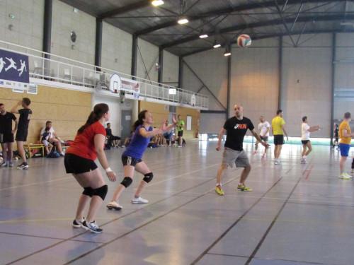 Tournoi de volley en nocturne
